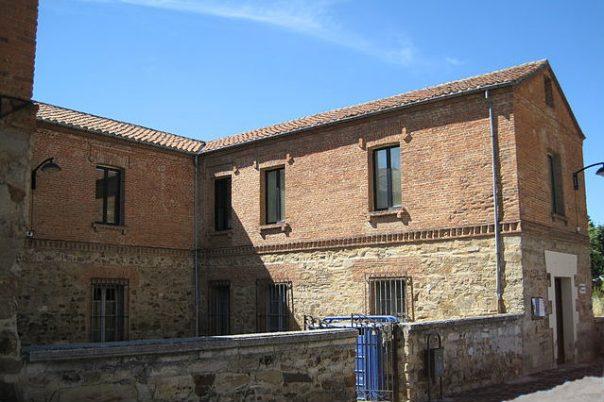 Biblioteca Municipal de Astorga recortada
